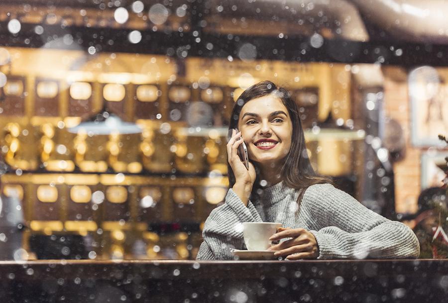 Descubre qué eventos navideños realizar en tu cafetería para captar clientes